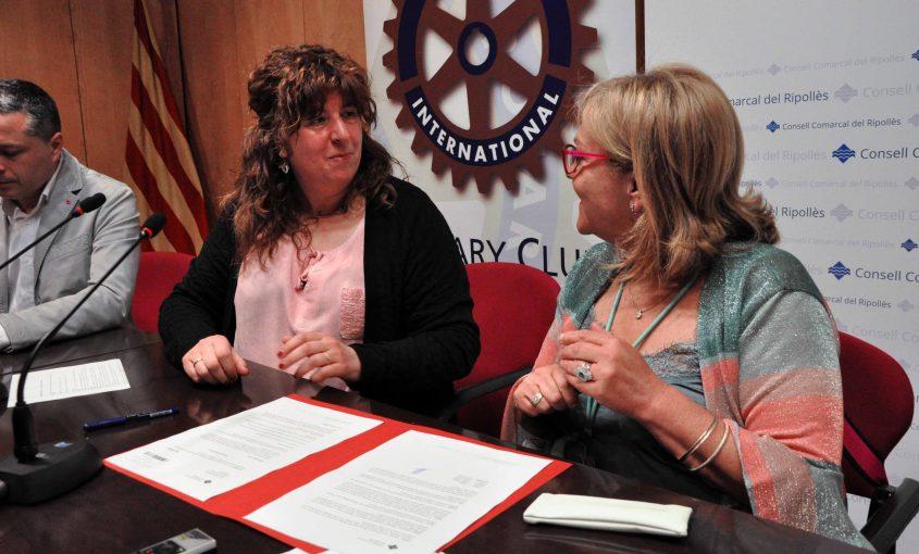 Lliurament donatiu Nit benèfica Rotary Imma Constans
