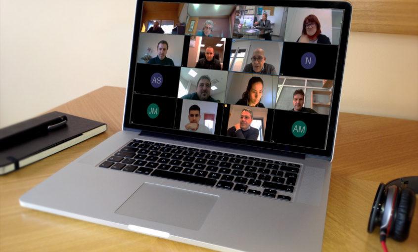 Imatge d'un ordinador on es veu la reunió sectorial telemàtica d'infraestructures